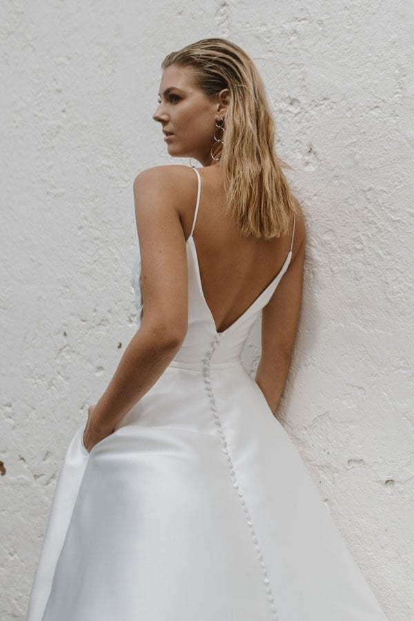 03-camellia-wedding-dress-back-detail