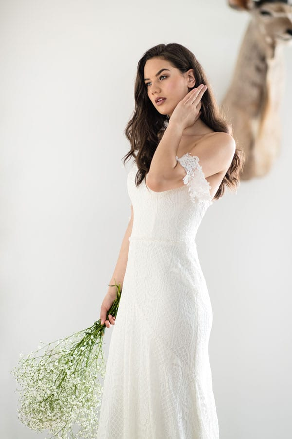 Aster sexy off-shoulder lace wedding dress
