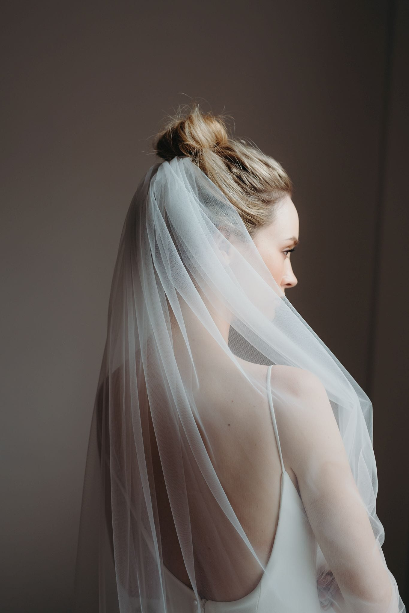 Mara single tier full length plain ivory veil
